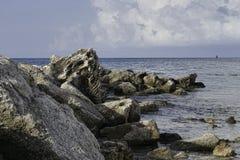 Roches dans l'eau 2 Images libres de droits