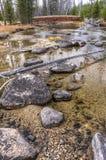 Roches dans la crique de rougets communs en Idaho photos libres de droits