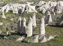 Roches dans la vallée de l'amour Cappadocia La Turquie Images stock