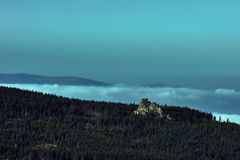 Roches dans les montagnes dans les montagnes géantes Images stock