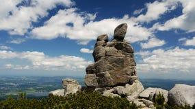 Roches dans les montagnes géantes Images libres de droits