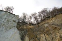 Roches de falaise de craie d'île de Rugen au parc national Jasmund Images libres de droits