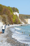 Roches de falaise de craie d'île de Rugen chez Sassnitz (Allemagne) photo stock