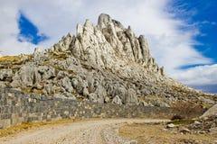 Roches de grede de Tulove sur la montagne de Velebit Photographie stock