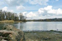 Roches de la rivière de Dnieper Image stock