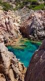 Roches de la Sardaigne au paradiso de côte Image libre de droits