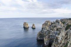 Roches de Lagos dans Algarve, Portugal Images stock