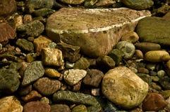 Roches de lit de la rivière Photos libres de droits