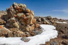 Roches de peluche près de lac Baikal Images libres de droits