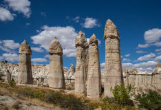 Roches de vallée d'amour dans Cappadocia Photo stock