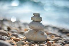 Roches de zen sur la plage