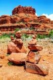Roches empilées à la roche de Bell dans Sedona Photographie stock libre de droits