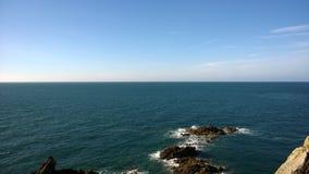 Roches en mer image libre de droits