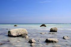 Roches en mer Images libres de droits