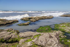 Roches en plage de Guarita chez Torres Photo libre de droits