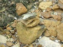 Roches et cailloux sur la plage Images stock