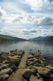 Roches et loch tay Images stock
