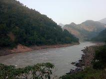 Roches et rivière Photographie stock