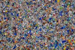 Roches et verre coloré réutilisés comme couverture végétale Photo libre de droits