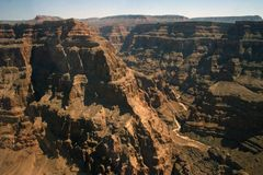 roches grandes de montagnes de gorge étonnante Images libres de droits