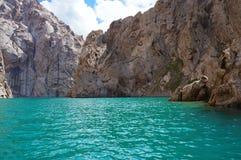 Roches merveilleuses et montagne extraordinaire de Kelsu Photos libres de droits