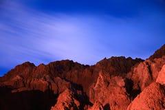 Roches rouges la nuit Photo libre de droits
