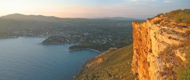 Roches rouges sauvages de la falaise Photo libre de droits