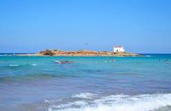 Roches sur la côte de la mer Égée image stock