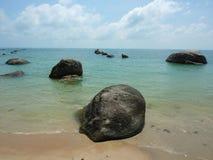 Roches sur la mer Photo libre de droits