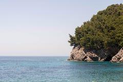 Roches sur la plage tropicale photo stock