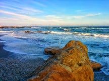 Roches sur le bord de mer Photos libres de droits