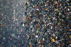 Roches sur le rivage photo stock