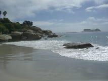 Roches sur une plage Photographie stock