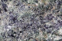 Roches vertes de serpentinite des Alpes photographie stock libre de droits