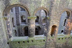 ROCHESTER, GROSSBRITANNIEN - 14. APRIL 2017: Spalten und Bögen des großen Halls innerhalb des Schlosses stockbilder
