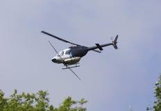 Rociador del plumero de la cosecha del helicóptero imagenes de archivo