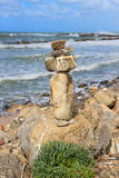 Rock balancing on the cliff Royalty Free Stock Photography