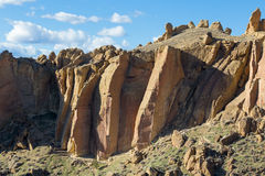 Free Rock Climbers At Smith Rock State Park Stock Photo - 68388410