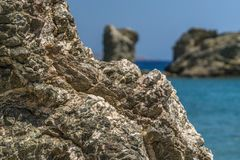 Rock infront of the sea Royalty Free Stock Images