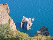 rock för nationalpark för karadag för crimea port guld- arkivbild