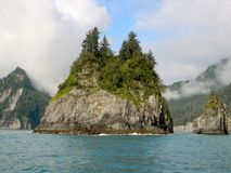Rock island in the ocean Royalty Free Stock Photos