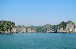 Rock islands in the sea Royalty Free Stock Photos