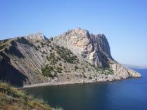 Rock och havet Arkivbild