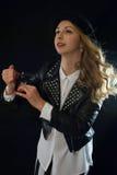 Rockabilly flicka med doft arkivfoto