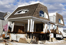 Casa de praia destruída nas consequências do furacão Sandy em Rockaway distante, NY Fotografia de Stock