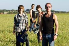 Rockband i fält Royaltyfria Bilder