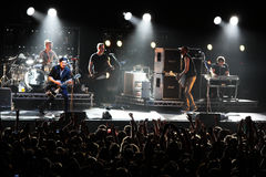 Rockband-Placebo und Brian Molko im Konzert am Sport-Palast am Samstag, den 22. September 2012 in Minsk, Weißrussland Lizenzfreies Stockbild