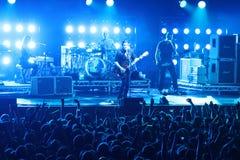 Rockbandplacebo och Brian Molko i konsert på sportslotten på lördag, September 22, 2012 i Minsk, Vitryssland Royaltyfria Foton