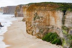 Rockbound побережье, 12 апостолов, Австралия, выравнивая свет на апостолах горной породы 12 Стоковые Фото