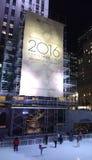 Rockefeller-Mitte-Weihnachtsbaum vor der Baum-Beleuchtung Stockbild